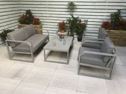 Aluminium hand painted 4 seater sofa set with coffee table
